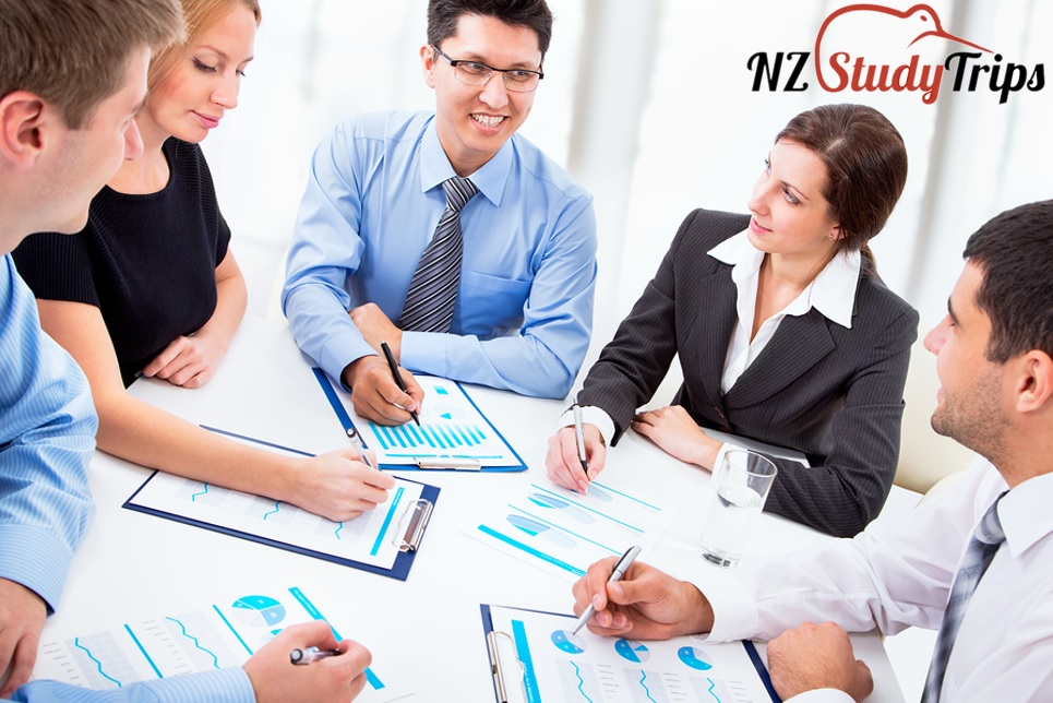 Diploma in Accounting Level 7